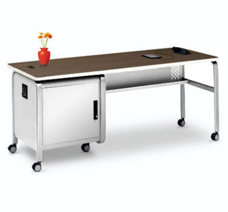Bretford instructor tech desk 8l