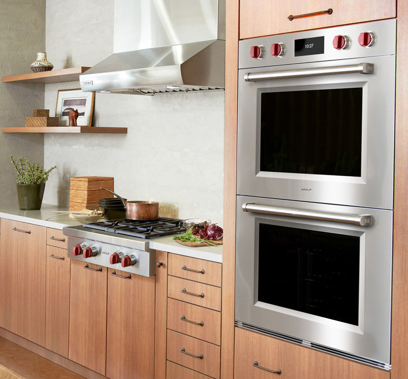 Wolf Appliance, Inc.  : M Series Professional Built-In Wall Oven